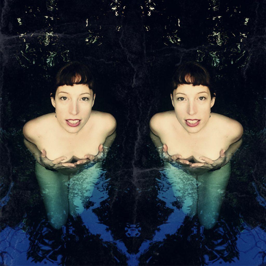 Tantric Xine La Fontaine